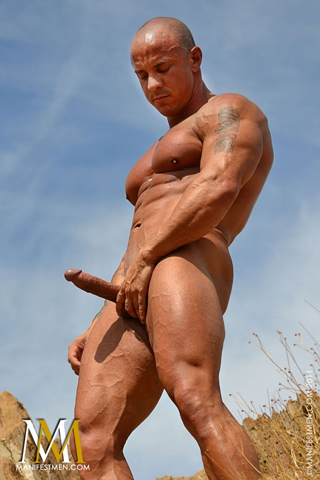 Vin Marco at Manifest Men Naked Gay BodyBuilder Download Full Movie torrents 03 - Vin Marco - Naked Bodybuilder