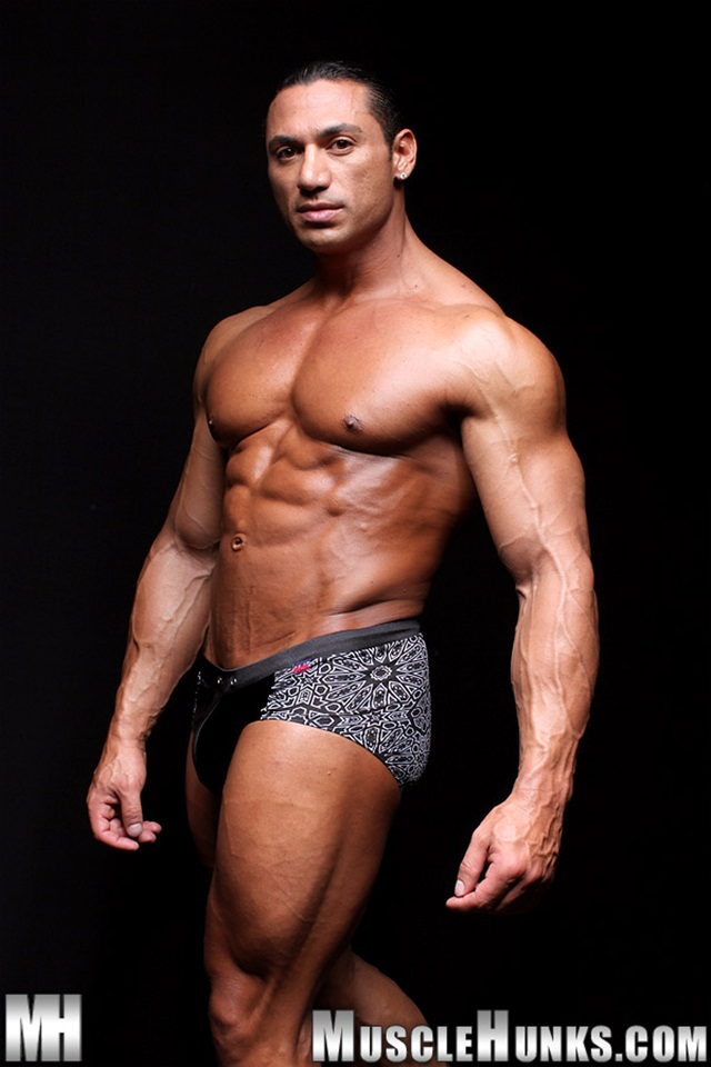 Free Naked Muscle Hunks 46