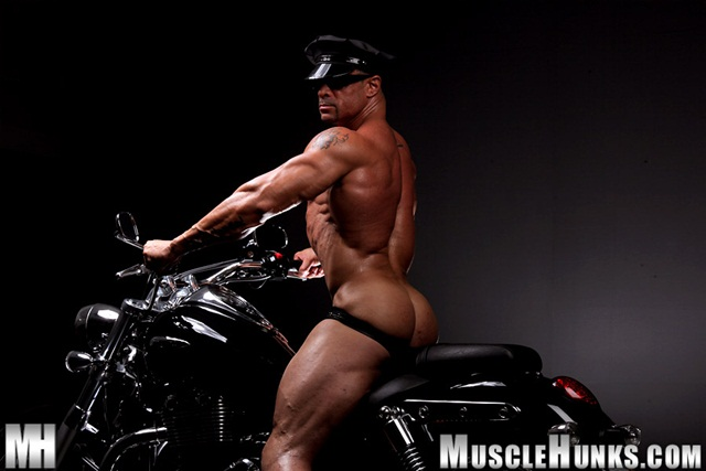 Eddie Camacho at Muscle Hunks 005 Ripped Muscle Bodybuilder Strips Naked and Strokes His Big Hard Cock photo1 - Eddie Camacho at Muscle Hunks