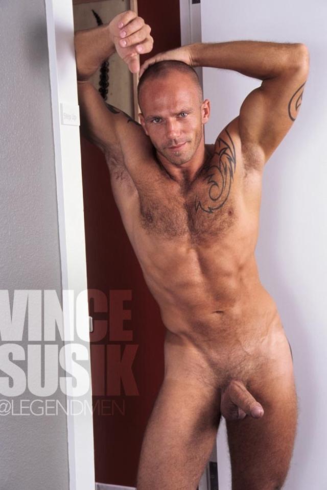 Legend-Men-Real-Muscle-Men-naked-bodybuilder-nude-bodybuilders-big-muscle-Vince-Susik-gay-porn-pics-photo