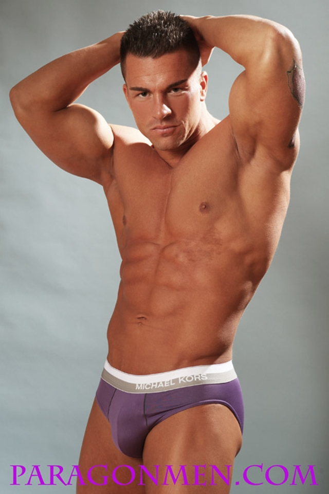 Gay porn pics 02 Muscled sex bodybuilder Braden Charron Paragon Men all american boy naked muscle men nude bodybuilder photo - Muscled sex bodybuilder Braden Charron