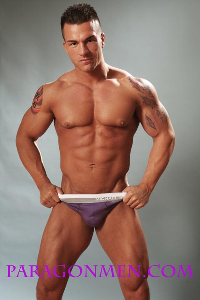 Gay porn pics 03 Muscled sex bodybuilder Braden Charron Paragon Men all american boy naked muscle men nude bodybuilder photo - Muscled sex bodybuilder Braden Charron