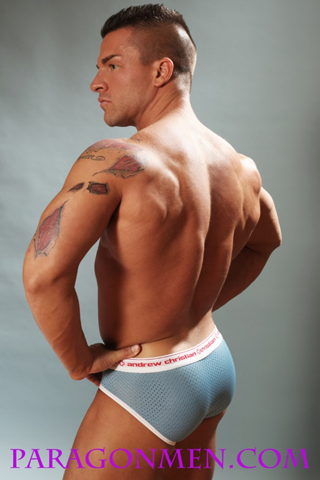 Gay porn pics 06 Muscled sex bodybuilder Braden Charron Paragon Men all american boy naked muscle men nude bodybuilder photo - Muscled sex bodybuilder Braden Charron