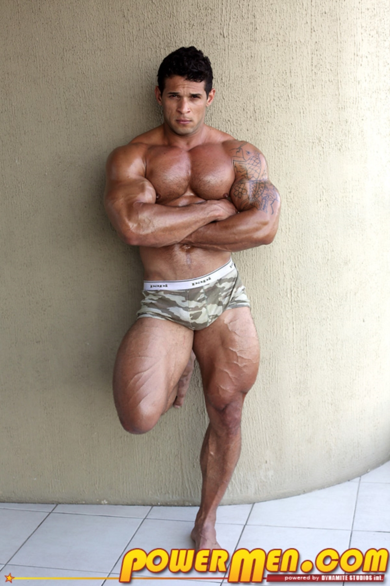 Free Gay Muscle Galleries 13