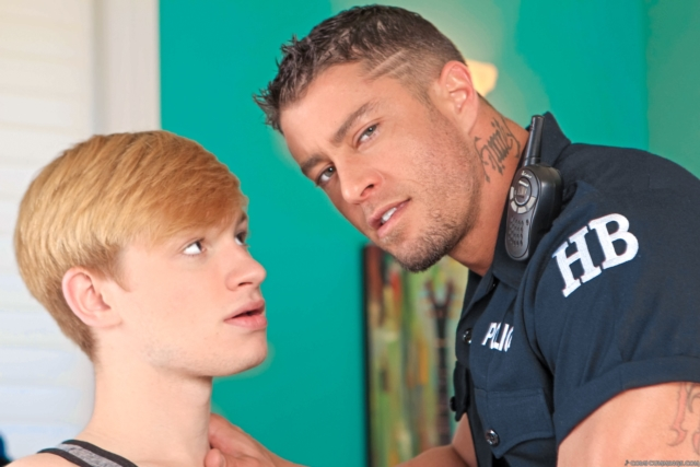 Cody-Cummings-and-Max-McQueen-Cody-Cummings-gay-porn-star-ripped-muscle-stud-American-huge-dick-bubble-butt-01-pics-gallery-tube-video-photo