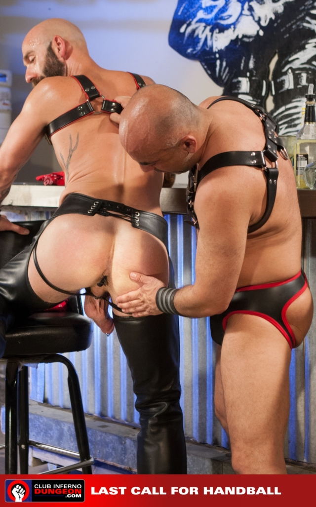 Drew-Sebastian-and-Brian-Davilla-Club-Inferno-Dungeon-fisting-gay-rosebud-fetish-BDSM-fisting-top-fisting-bottom-04-gallery-video-photo