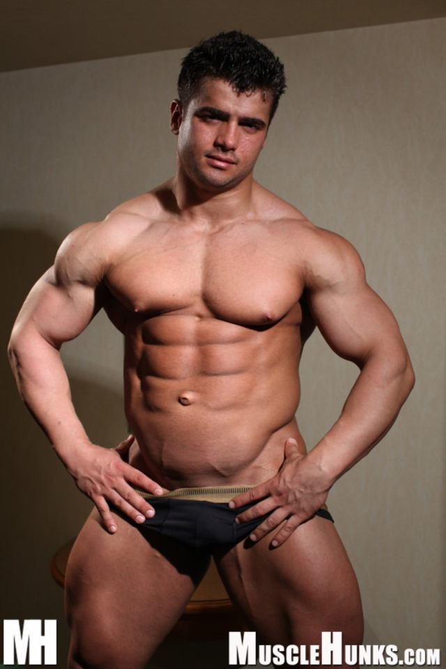 Benny-Ryder-Live-Muscle-Show-Gay-Naked-Bodybuilder-nude-bodybuilders-gay-muscles-big-muscle-men-gay-sex-01-gallery-video-photo