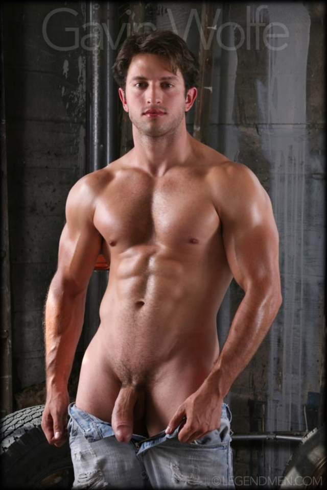 Gavin-Wolfe-Legend-Men-Real-Muscle-Men-naked-bodybuilder-nude-bodybuilders-big-muscle-huge-cock-05-gallery-video-photo