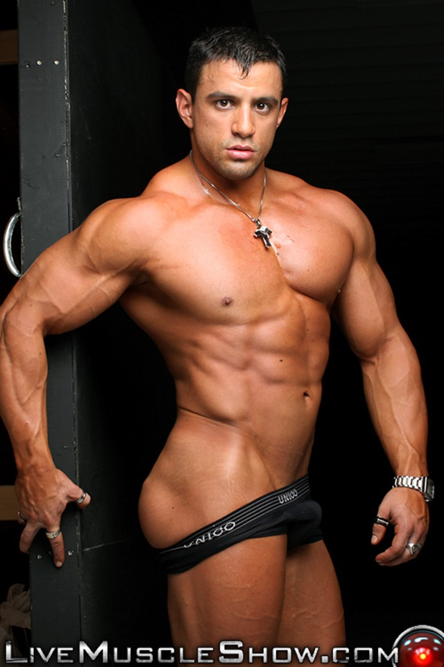 Buff nude men