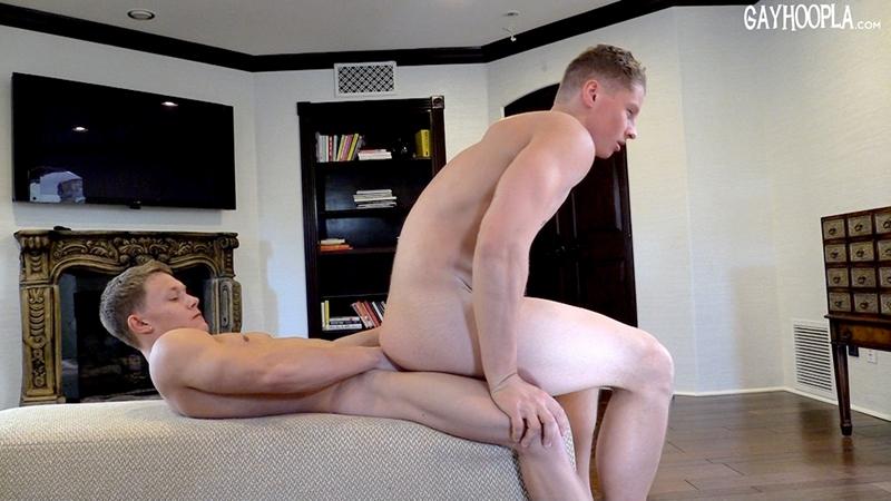 Gay-Hoopla-GayHoopla-Jason-Keys-Christian-Borsk-handsome-muscle-blondes-hotties-juicy-cocks-big-erect-kiss-bath-tight-ass-cheeks-009-tube-download-torrent-gallery-photo