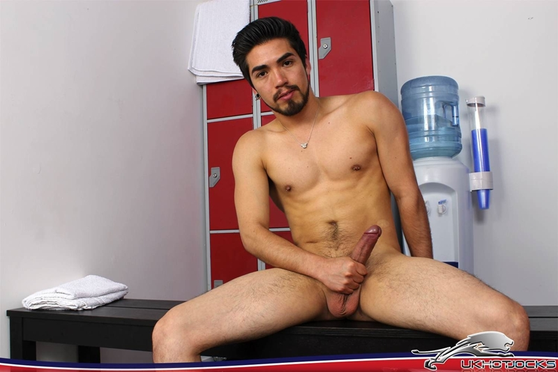 UKHotJocks-Sexy-cute-Alexis-Belfort-gorgeous-exhibitionist-locker-room-sexy-pierced-nipples-crotch-dick-shorts-hot-horny-locker-jock-013-tube-download-torrent-gallery-sexpics-photo