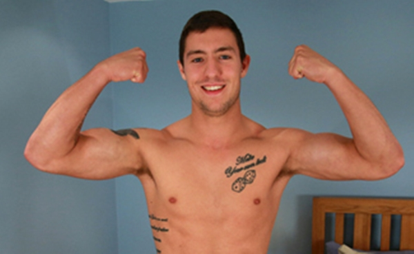 EnglishLads-Ben-Vickers-handsome-guy-MMA-fighter-sexy-young-men-stripping-tattoos-monster-wanking-huge-uncut-penis-001-tube-download-torrent-gallery-sexpics-photo