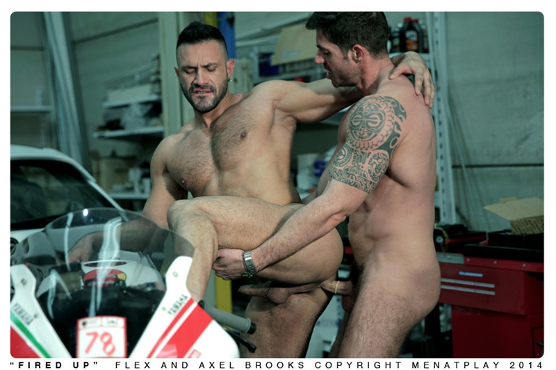 MenatPlay-Sexy-tattoo-Axel-Brooks-motorbike-rider-Flex-Xtremmo-leather-Power-bottom-muscle-cock-asshole-huge-cumshot-014-tube-video-gay-porn-gallery-sexpics-photo