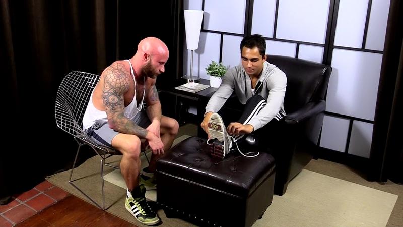 MyFriendsFeet-Drake-Jaden-knees-bare-foot-soles-toes-big-toe-worshiping-size-11-shoes-dark-skinned-hunk-Azif-004-tube-video-gay-porn-gallery-sexpics-photo