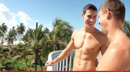 Hot naked twinks Sascha Chaykin fucked by Kris Evans