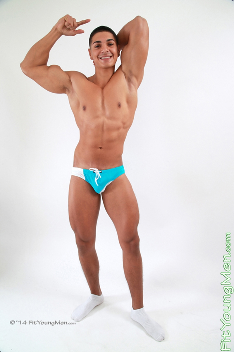 free gay men pictures 4000
