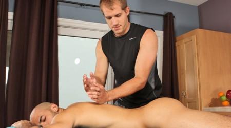 Flip flop fuck massage Austin Wilde and Brandon Lewis massage sexploits