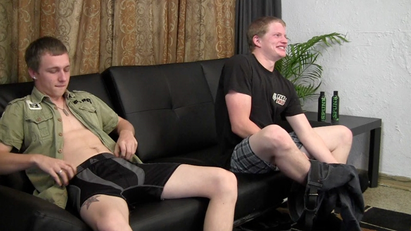 StraightFraternity-21-year-old-Warren-23-years-age-married-guy-Shawn-stroke-big-straight-dicks-blow-jobs-shoot-jizz-shot-003-tube-video-gay-porn-gallery-sexpics-photo