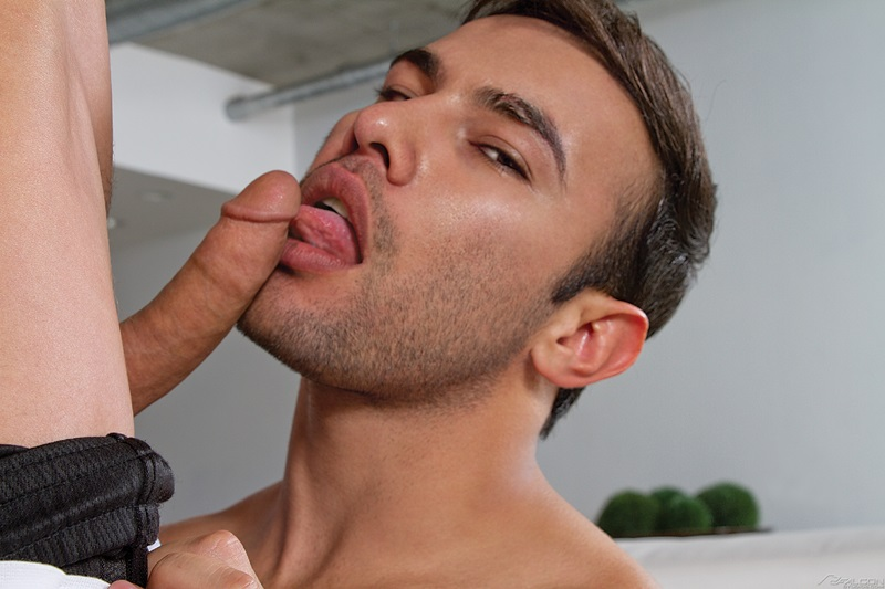 Men with oral fetish