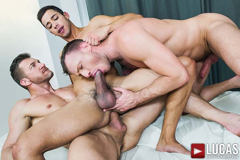 LucasEntertainment-sexy-naked-muscle-guys-Tomas-Brand-Logan-Rogue-daddies-Drae-Axtell-massive-monster-cock-three-way-oral-sex-action-013-gay-sex-porno-porn-pics-gallery-photo
