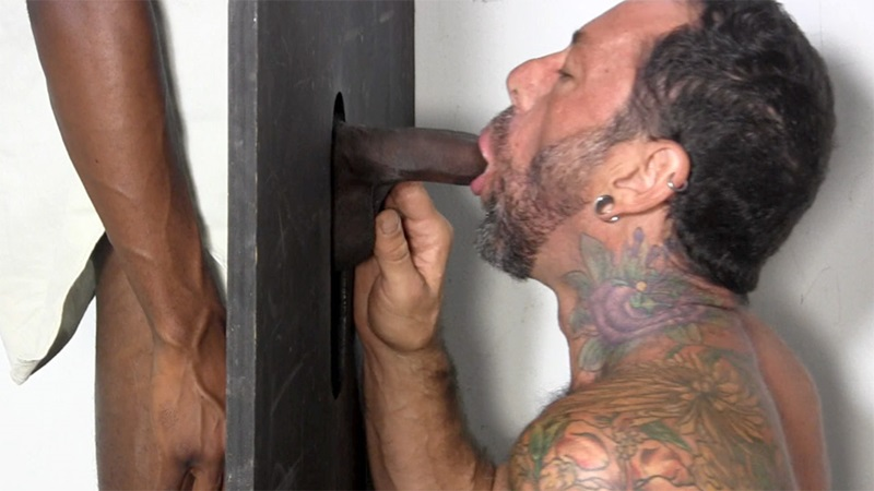 StraightFraternity-straight-ebony-hunk-blackdick-Joey-horny-men-blowjob-deep-throat-big-black-cock-gloryhole-sucking-cocksucker-05-gay-porn-star-sex-video-gallery-photo