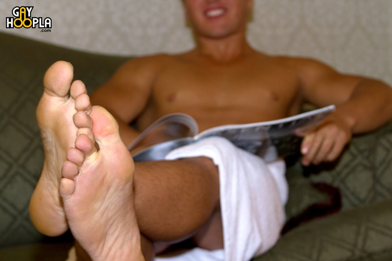 GayHoopla-Sexy-muscle-boy-beefcake-Bobby-Effy-jerks-huge-dick-male-feet-goodlooking-young-man-solo-huge-cumshot-11-gay-porn-star-sex-video-gallery-photo