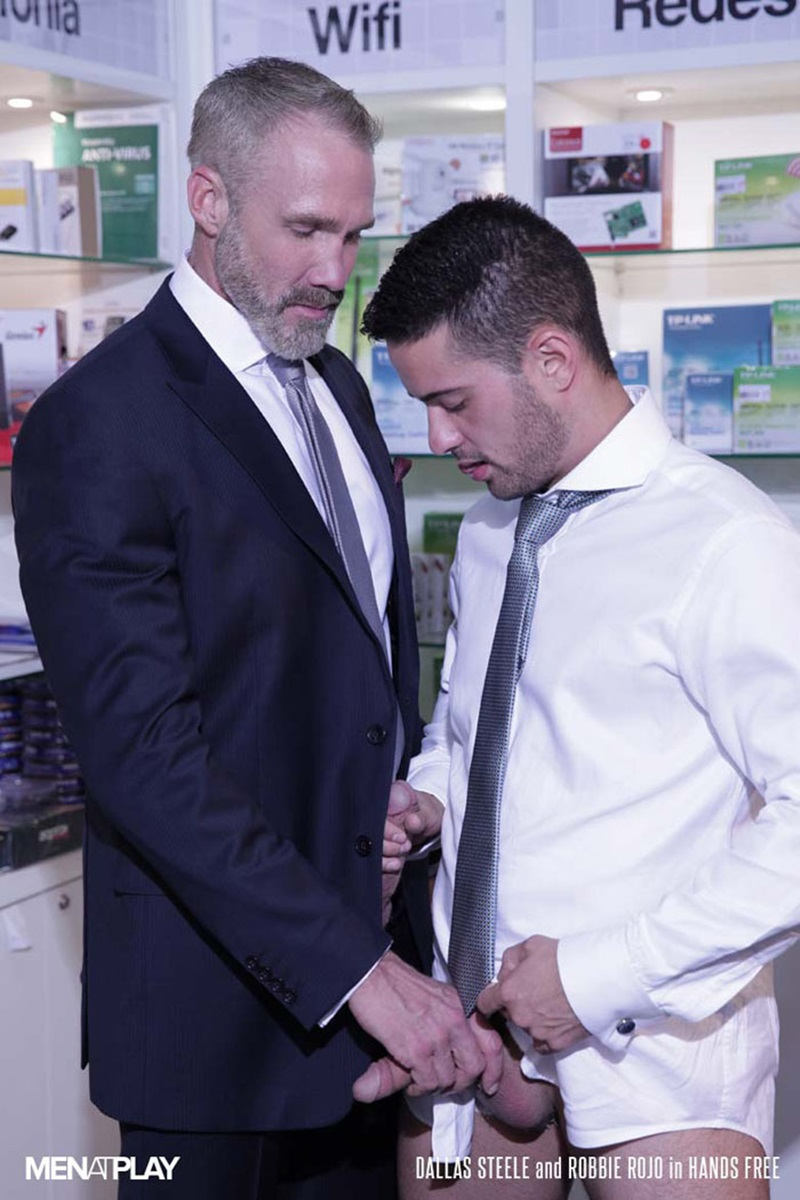 Men-com-young-muscle-bottom-boy-Robbie-Rojo-Silver-Daddy-Dallas-Steele-massive-cock-fuck-boy-hot-older-man-fucked-hard-cum-load-deep-ass-10-gay-porn-star-sex-video-gallery-photo