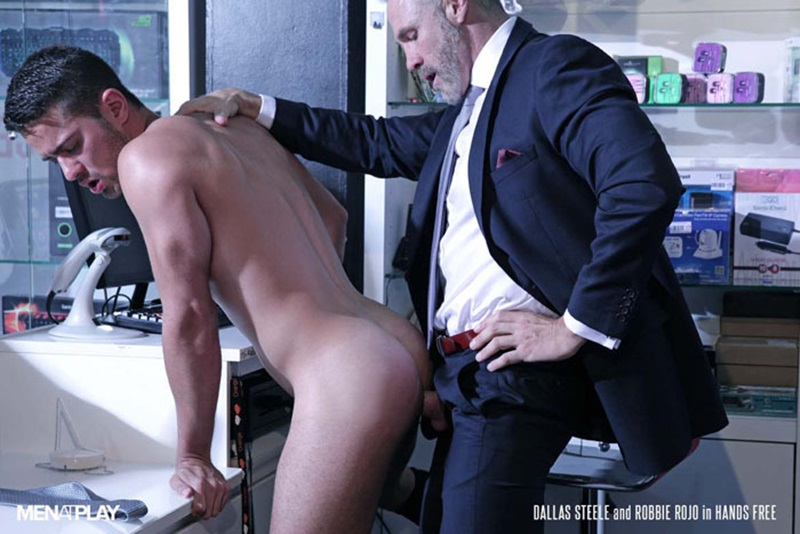 Men-com-young-muscle-bottom-boy-Robbie-Rojo-Silver-Daddy-Dallas-Steele-massive-cock-fuck-boy-hot-older-man-fucked-hard-cum-load-deep-ass-19-gay-porn-star-sex-video-gallery-photo