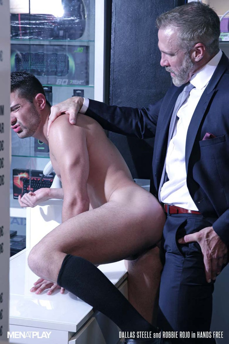 Men-com-young-muscle-bottom-boy-Robbie-Rojo-Silver-Daddy-Dallas-Steele-massive-cock-fuck-boy-hot-older-man-fucked-hard-cum-load-deep-ass-22-gay-porn-star-sex-video-gallery-photo