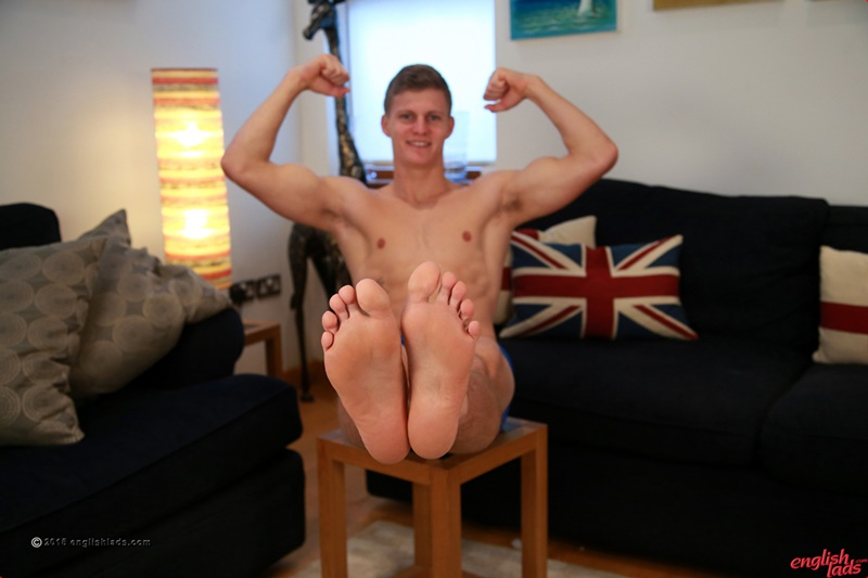EnglishLads-sexy-naked-muscle-hunk-Greg-Hill-blond-young-man-smooth-chest-hairy-legs-six-pack-abs-jerking-huge-uncut-dick-37-gay-porn-star-tube-sex-video-torrent-photo
