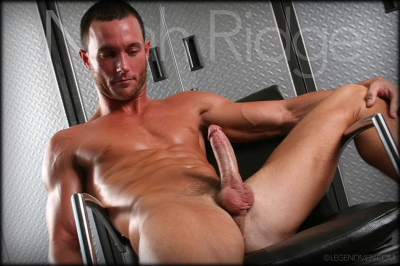 LegendMen-Hot-sexy-muscle-stud-Noah-Ridge-young-muscled-bodybuilder-ripped-body-six-pack-abs-huge-thick-long-dick-hot-bubble-ass-jerks-008-gay-porn-sex-gallery-pics-video-photo