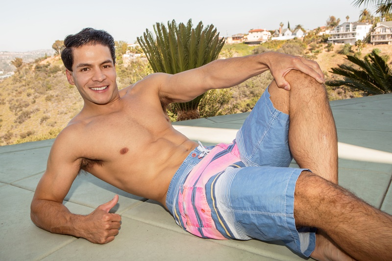 SeanCody-hairy-legs-smooth-chest-young-all-american-muscle-stud-Felix-six-pack-abs-ripped-body-muscled-big-thick-dick-jerking-cumshot-001-gay-porn-sex-gallery-pics-video-photo