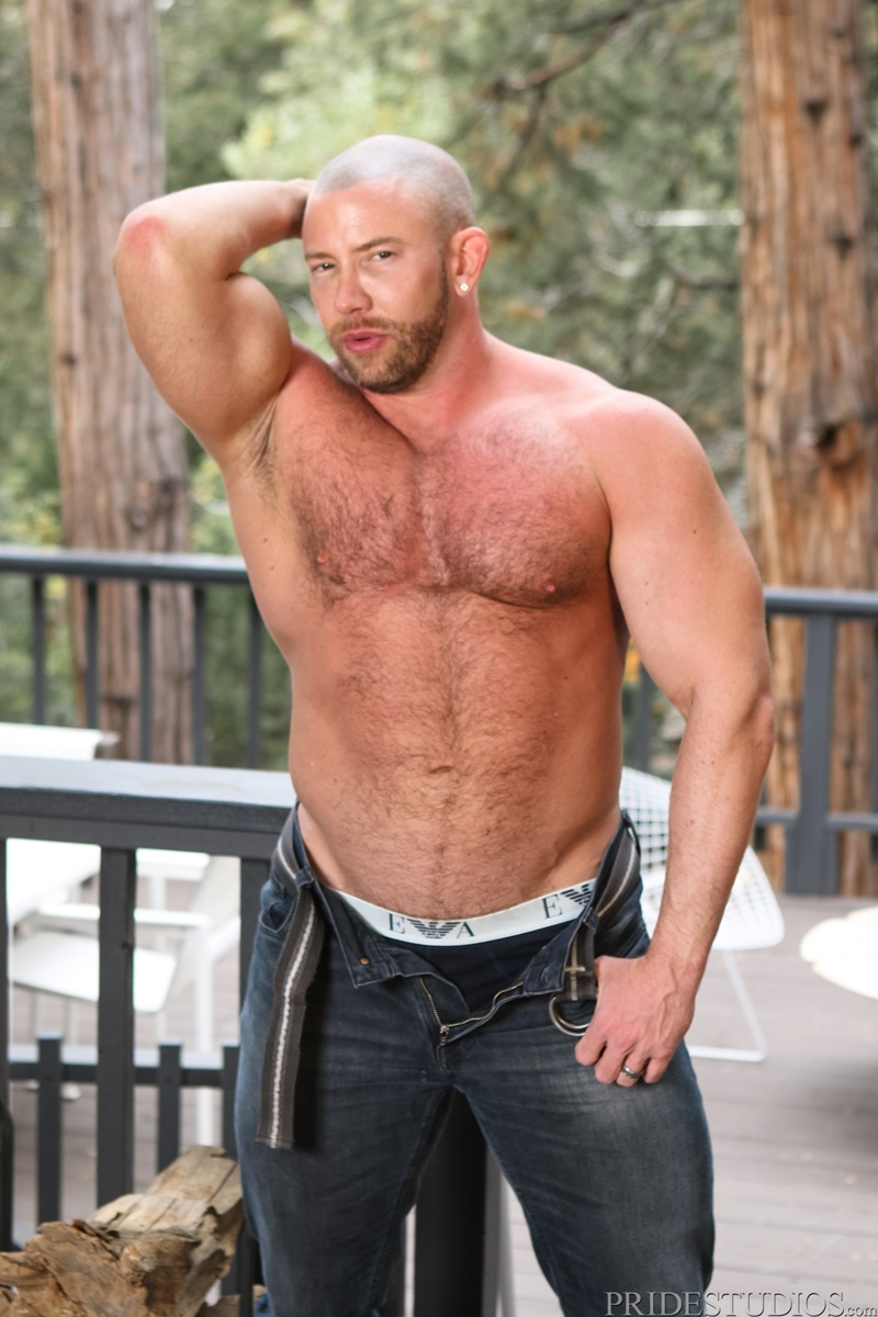 DylanLucas-sexy-young-dudes-Coach-Shay-Michaels-Brandon-Wilde-naked-boys-big-cock-fucking-ass-play-anal-rimming-tattoo-hairy-chest-002-gay-porn-sex-gallery-pics-video-photo
