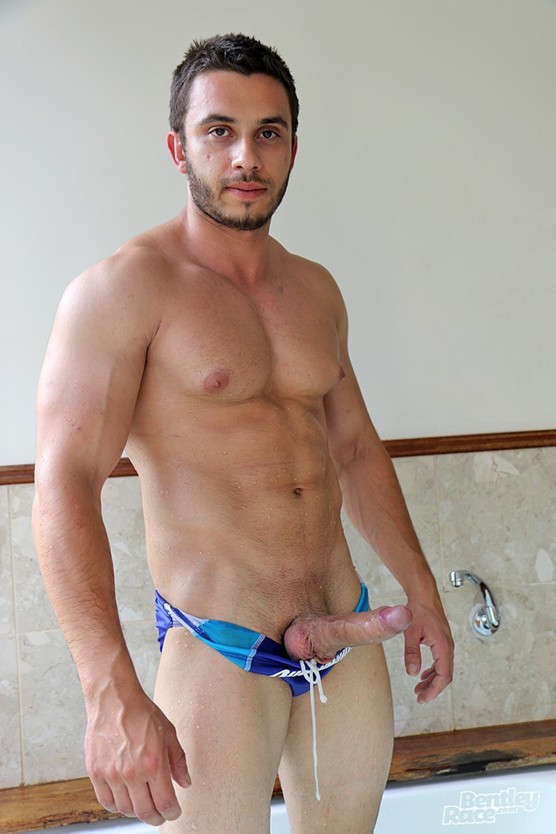 bentleyrace-sexy-young-australian-muscle-cub-stud-handsome-hunk-aussie-james-nowak-jerks-huge-thick-uncut-dick-hot-tub-cumshot-021-gay-porn-sex-gallery-pics-video-photo
