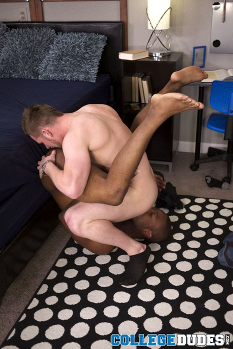 CollegeDudes-hot-muscular-horny-dude-black-college-boys-Dante-Monroe-Owen-Michaels-sucking-dicks-sexy-boys-fucking-009-tube-video-gay-porn-gallery-sexpics-photo
