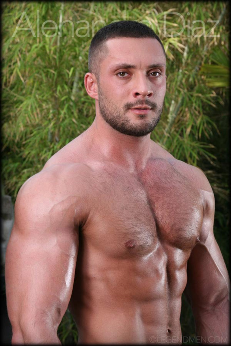 legendmen-tanned-naked-big-muscle-hunk-bodybuilder-alehandro-diaz-jerk-massive-9-inch-uncut-dick-cumshot-orgasm-big-arms-legs-002-gay-porn-sex-gallery-pics-video-photo