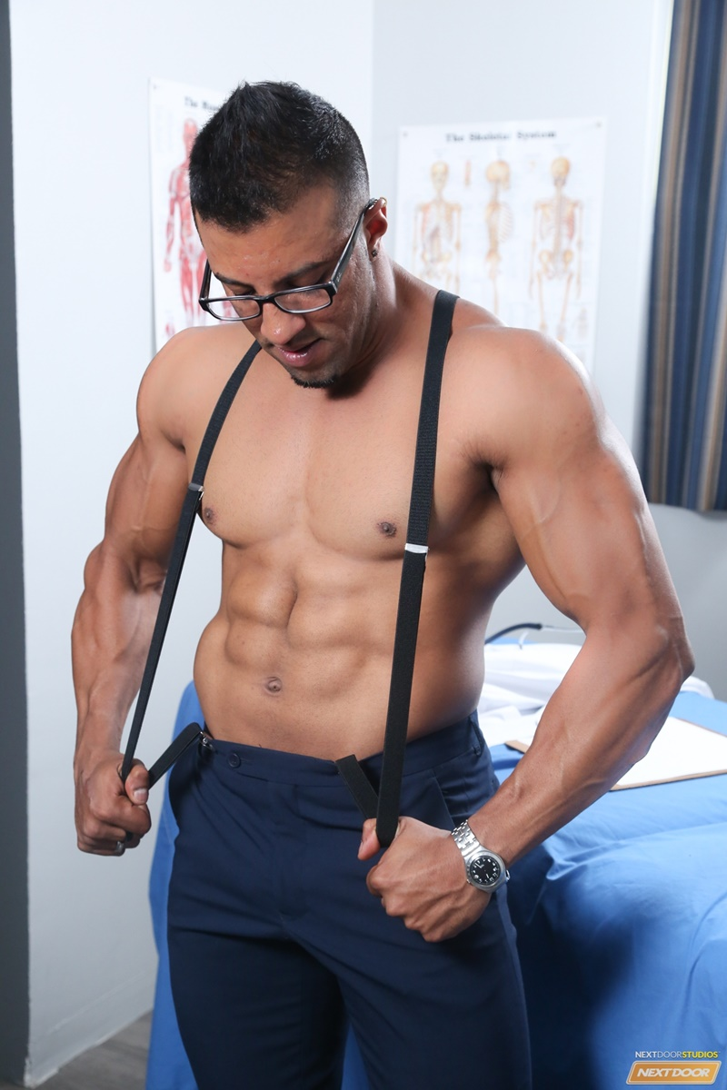 nextdoorebony-naked-black-muscle-men-doctor-daniel-flexxx-ass-rimming-daniel-flores-lick-smooth-black-ass-cocksucker-fucking-004-gay-porn-sex-gallery-pics-video-photo