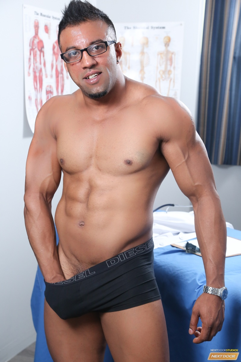 nextdoorebony-naked-black-muscle-men-doctor-daniel-flexxx-ass-rimming-daniel-flores-lick-smooth-black-ass-cocksucker-fucking-005-gay-porn-sex-gallery-pics-video-photo