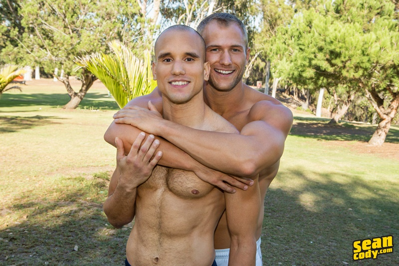 seancody-sean-cody-frankie-blake-bareback-anal-fucking-big-thick-long-large-dick-bare-raw-barebacking-anal-rimming-cocksucker-002-gay-porn-sex-gallery-pics-video-photo