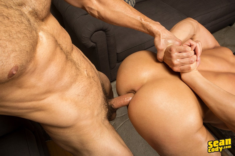 seancody-sean-cody-frankie-blake-bareback-anal-fucking-big-thick-long-large-dick-bare-raw-barebacking-anal-rimming-cocksucker-006-gay-porn-sex-gallery-pics-video-photo