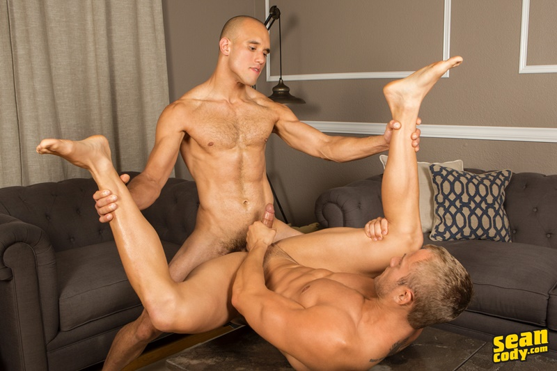 seancody-sean-cody-frankie-blake-bareback-anal-fucking-big-thick-long-large-dick-bare-raw-barebacking-anal-rimming-cocksucker-009-gay-porn-sex-gallery-pics-video-photo