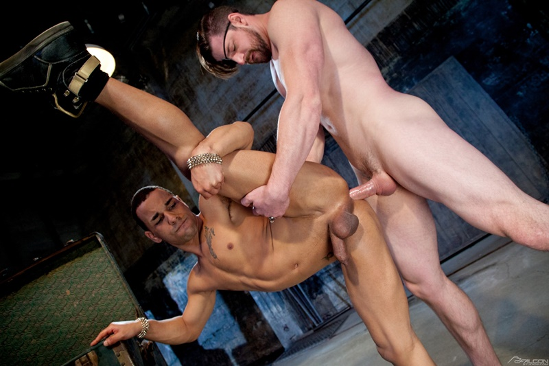 Lord Andrew Stark pounds his cock deep into Snitch Trelino's tight hole