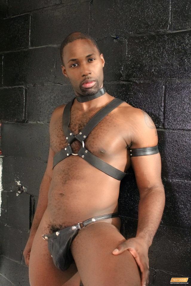 Jay-Black-Nubius-Sam-Swift-huge-black-cocks-threesome-spit-roasting-004-male-tube-red-tube-gallery-photo