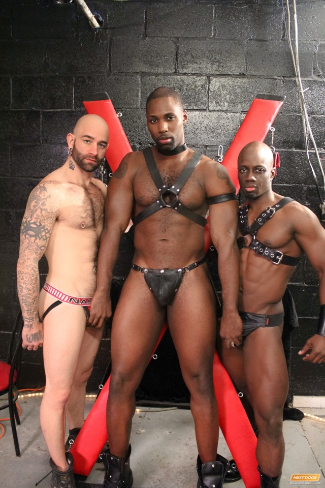Jay-Black-Nubius-Sam-Swift-huge-black-cocks-threesome-spit-roasting-005-male-tube-red-tube-gallery-photo