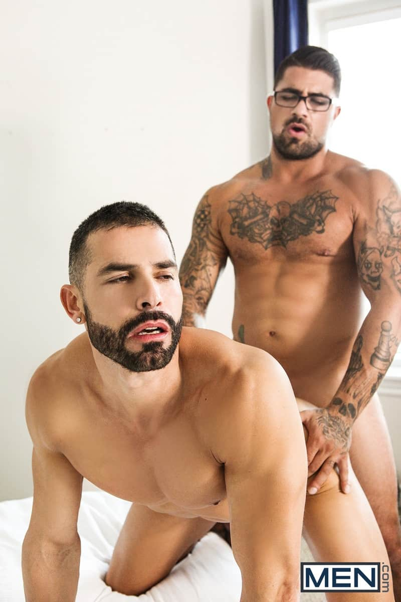 Men for Men Blog D-O-Ryan-Bones-big-muscle-hunk-blowjob-sucking-huge-hard-cock-deep-throat-Men-010-gay-porn-pictures-gallery Dark-haired D.O. gives Ryan Bones the best blowjob of his life sucking his hard cock deep down his throat Men