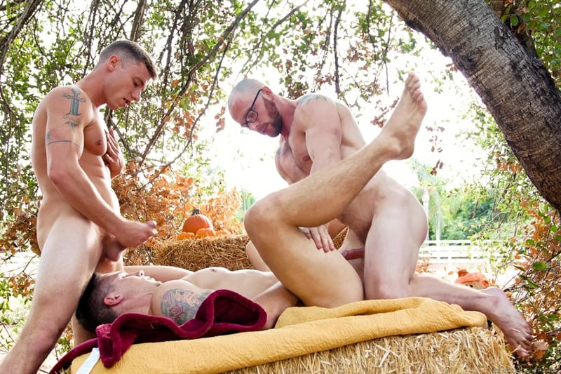 Men for Men Blog Markie-More-Justin-Matthews-Spencer-Laval-gay-threesome-big-bareback-cock-virgin-hole-raw-fuck-NextDoorStudios-012-gay-porn-pictures-gallery Markie More slides his big bareback cock deep into Spencer Laval's virgin hole followed by Justin Matthews' raw dick Next Door World