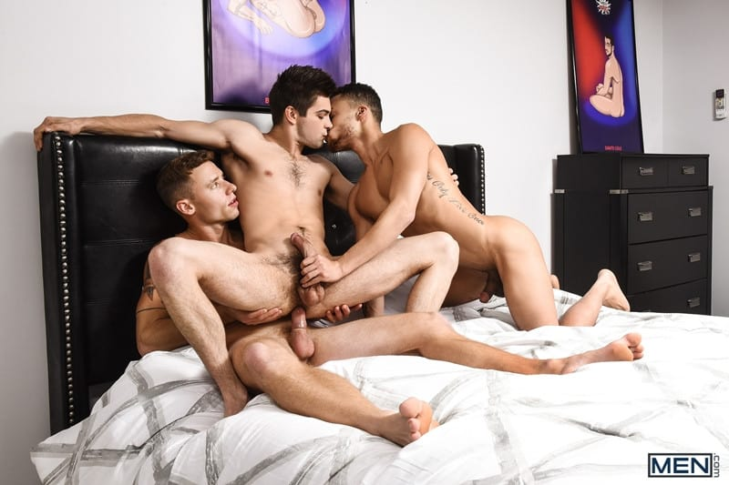 Men for Men Blog Beaux-Banks-Johnny-Rapid-Justin-Matthews-Sexy-bottoms-threesome-gay-boys-topped-big-erect-cock-Men-019-gay-porn-pics-gallery Sexy bottoms boys Beaux Banks and Johnny Rapid topped by Justin Matthews' big erect cock Men