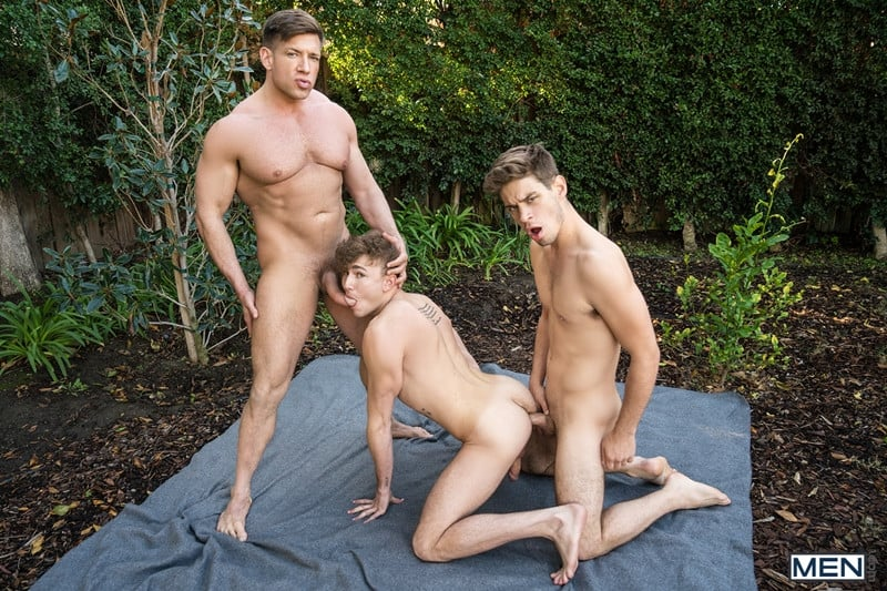 Men for Men Blog Bruce-Beckham-Michael-Del-Ray-Zander-Lane-threesome-anal-big-cock-fuck-smooth-asshole-Men-015-gay-porn-pics-gallery Bruce Beckham and Michael Del Ray fuck Zander Lane's smooth asshole Men