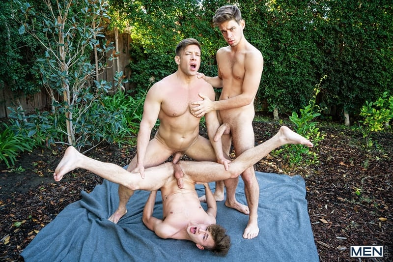 Men for Men Blog Bruce-Beckham-Michael-Del-Ray-Zander-Lane-threesome-anal-big-cock-fuck-smooth-asshole-Men-020-gay-porn-pics-gallery Bruce Beckham and Michael Del Ray fuck Zander Lane's smooth asshole Men