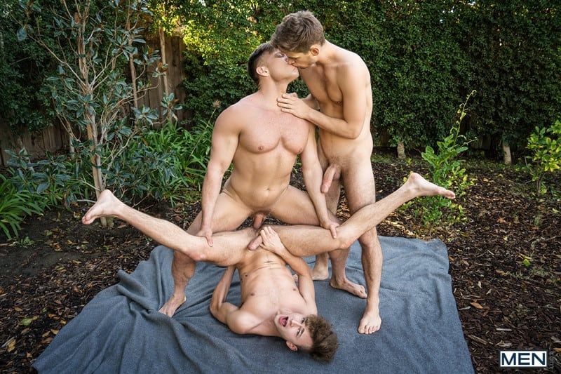 Men for Men Blog Bruce-Beckham-Michael-Del-Ray-Zander-Lane-threesome-anal-big-cock-fuck-smooth-asshole-Men-022-gay-porn-pics-gallery Bruce Beckham and Michael Del Ray fuck Zander Lane's smooth asshole Men